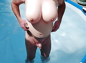 Amateur (Gay);HD Videos On the swimming pool