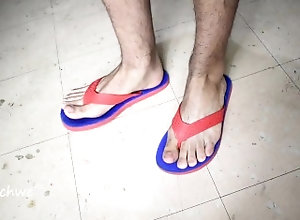dreichwe;shoe-fetish;toes;sound;god-of-feet;flipflops;large-feet;big-feet;flip-flop-fetish;toes-fetish;hair;18-19-yrs-old;toe-fetish;latino;foot-fetish;flip-flops,Twink;Fetish;Solo Male;Gay;Verified Amateurs Exciting flip flops