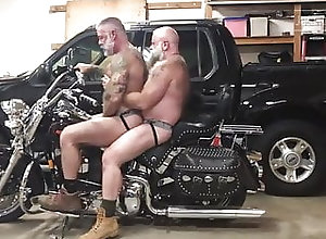 Bareback (Gay);Bear (Gay);Daddy (Gay);Anal (Gay);British (Gay) TwoDaddyBiker