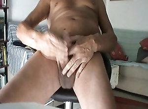 Amateur (Gay);Handjob (Gay);Hunk (Gay);Latino (Gay);Masturbation (Gay);Gay Handjob (Gay);Italian (Gay) handjob 118